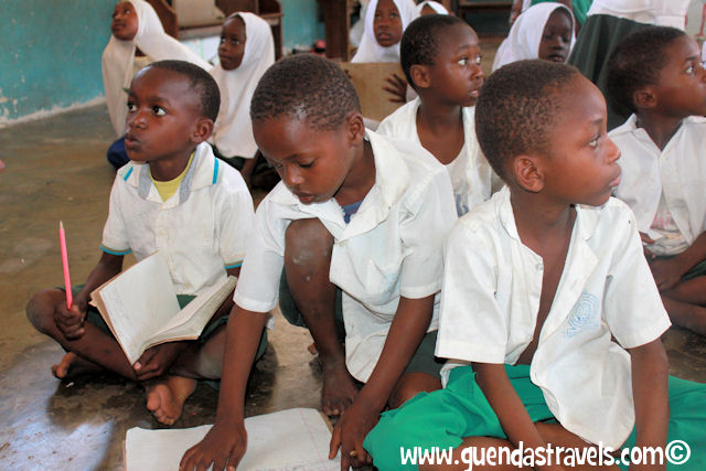 zanzibar_kiwengwa_schoolkids