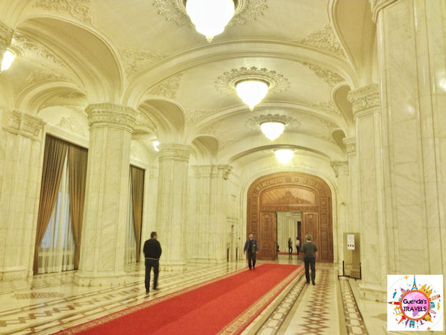 interno parlamento bucarest