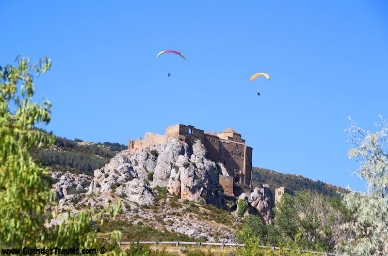 Parapendio sul Castillo de Loarre